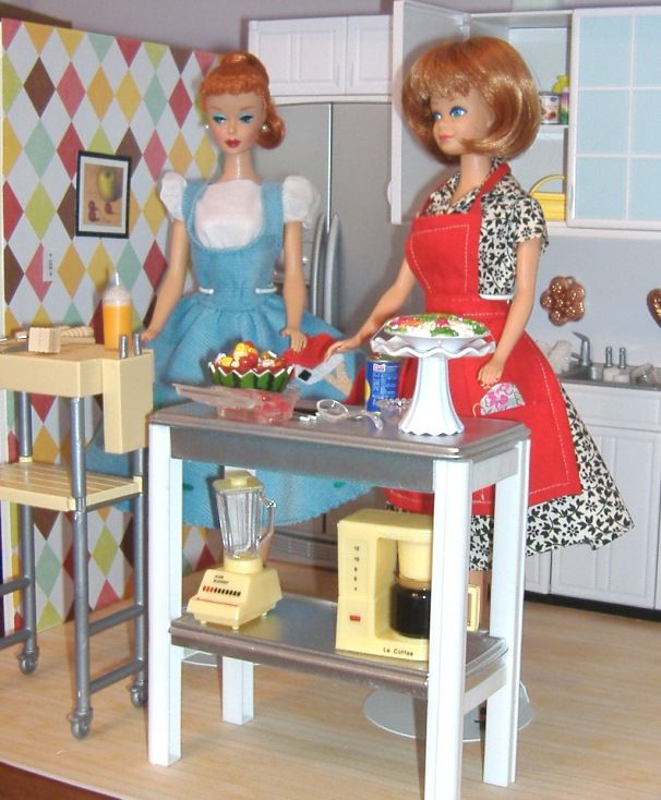 Seriously Barbie, just cater the party, who wants to cook for the next two days, I'd rather drink.   Barbie ponytail - 1962   Midge - fashion queen 1964