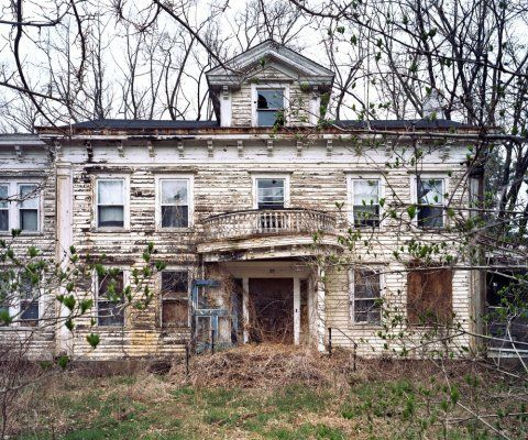 Abandoned homes pictures