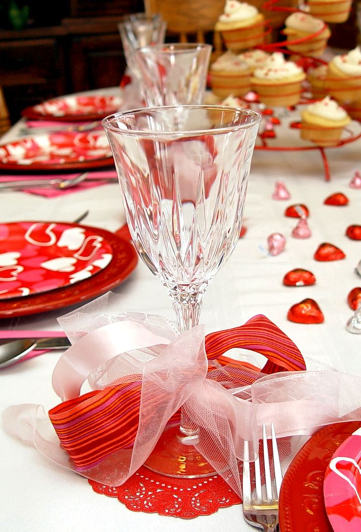 Valentine table decorations pinterest - Family Valentines Dinner Idea And How To Make A Junk Bow
