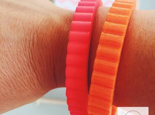 """Check out this #cool #summer #bangle of the """"Spinning Gear"""" #collection! Different #colours available! #3d #design - Available at http://shpws.me/MsnM Use the code SUMMERBLING for a 15% discount until July 24th  Summertime: Bright orange or Pink Red? That is the question 