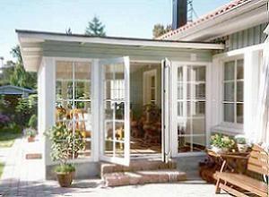 Inglasning av uterum, villa. Klicka för större bild