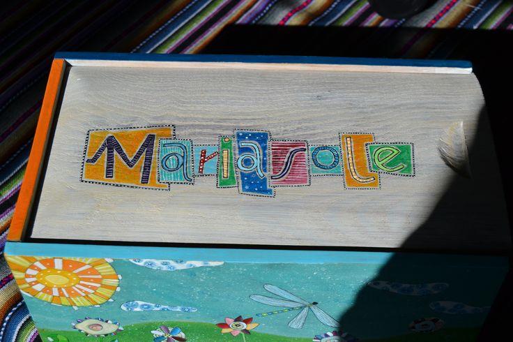 Scatola dei ricordi. Per raccogliere gli oggetti più cari: lettere, ritagli, foto, ricordi..