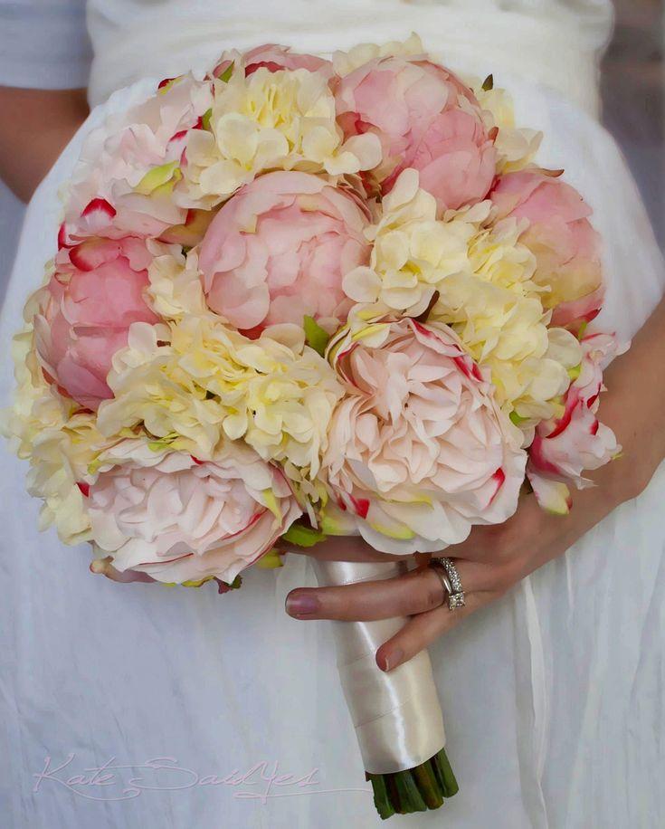 Свадебные каталог букеты спб пионы, роза уход