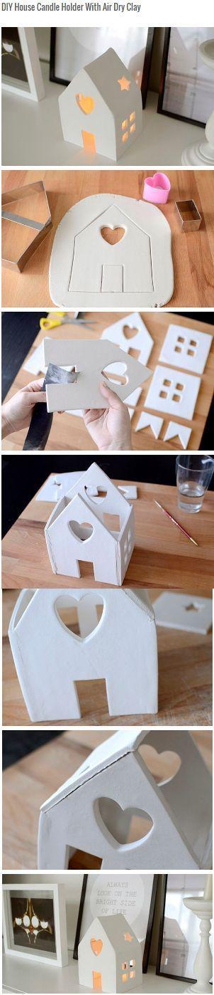 Kaarsenhouder huisje gemaakt van zachte klei