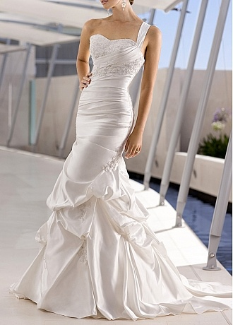 Pretty Satin Mermaid Sweetheart One Shoulder Ruching Pick-up Wedding Gown With Beaded Lace Appliques
