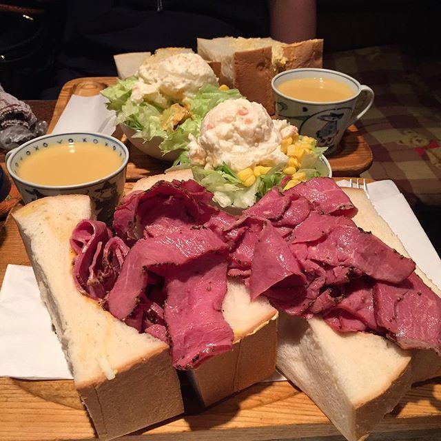 いま「萌え断」ブームで注目が集まっているサンドイッチ。様々なサンドイッチが紹介されている中、東銀座に最もワイルドな「萌え断」サンドイッチが存在するんです!最もワイルドな「萌え断」の名にふさわしい喫茶アメリカンのサンドイッチを紹介します♪