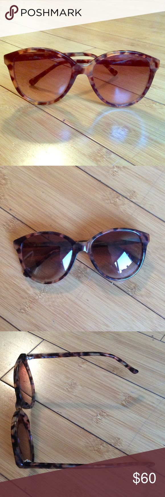 Tortoise Shell Sunglasses Super cute brown tortoise shell sunglasses SEE Accessories Sunglasses