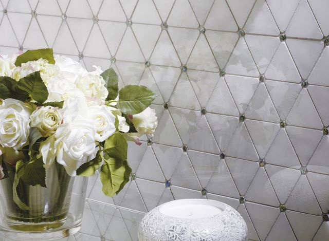 Exclusive finishes with Victorian Collection mosaic tiles by L'Antic Colonial | Porcelanosa International
