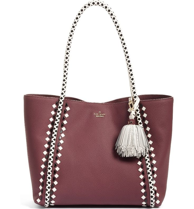 Obsessing over this trendy Kate Spade tote that effortlessly goes from week day to weekend.
