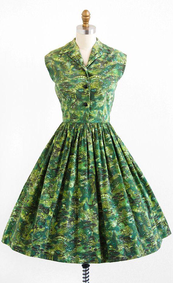 vintage 1950s dress / 50s dress / Green Novelty by RococoVintage