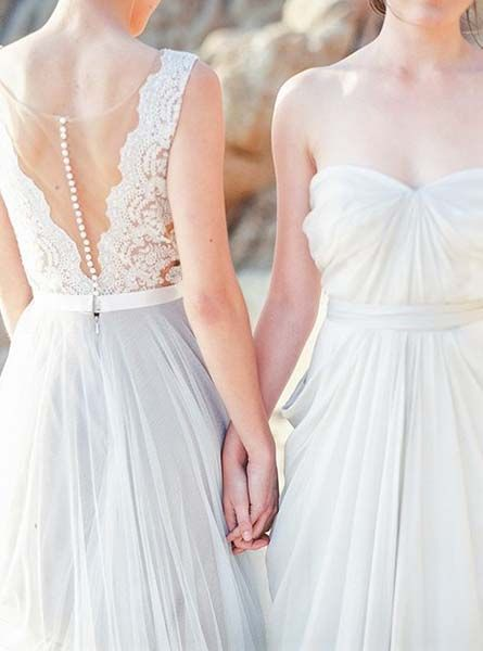 Cute Lesbian Wedding Photo Ideas | Same-Sex Wedding in Las Vegas | LGBTQ Wedding Ideas