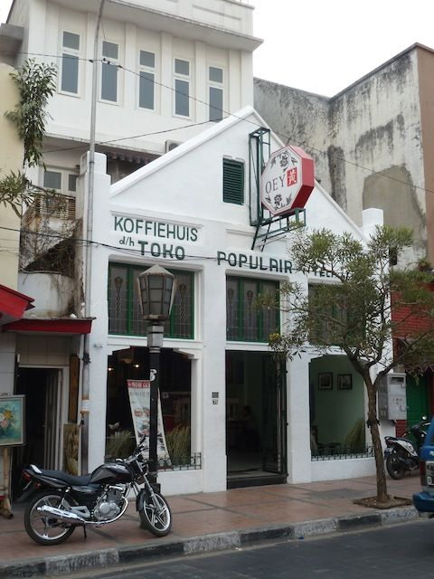 Coffee, tea and other goodies at Koffiehuis Oey.. #braga