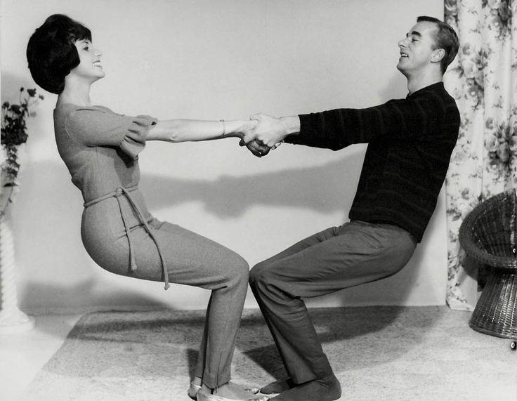 Мужчина и женщина танцуют  джайв. Нидерланды, 1950-е