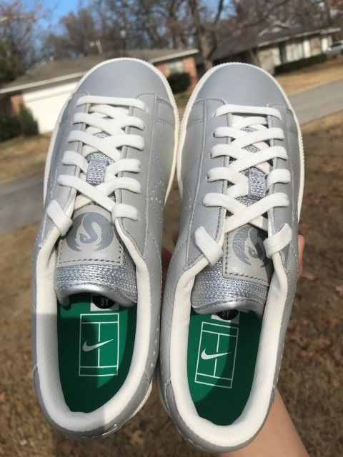Nike Tennis Classic Premium Big Kids' Shoe SOFT LEATHER SILVER 5Y NEW #Nike