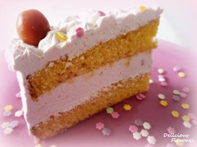 Tort cu crema de iaurt