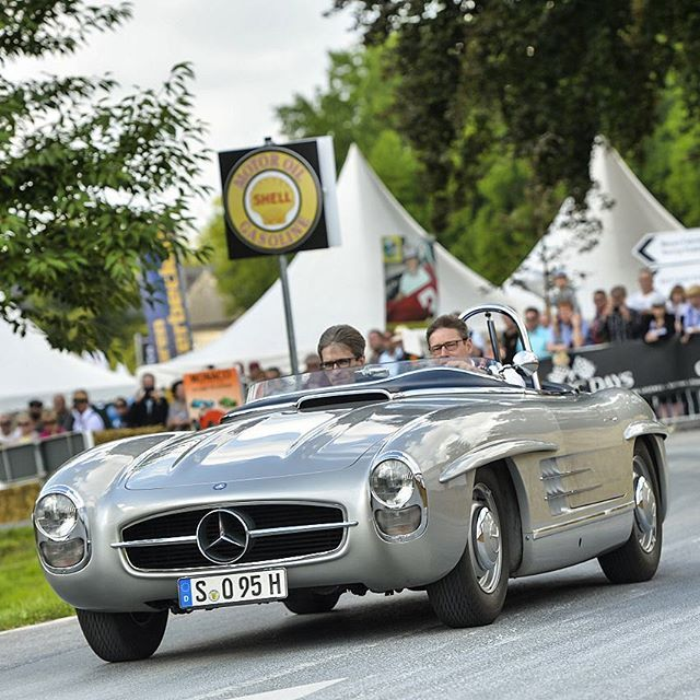 "Formula One Safety Car pilot Bernd Mayländer driving the 1957' Mercedes-Benz #300SLS ""Paul O'Shea"" during ""Classic Days"" at Schloss Dyck (Germany). Source: instagram (driversclubgermany)"