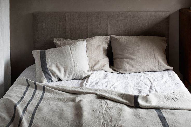 The secret to a good night sleep! ILTA bedlinen, USVA pillow and throw. 100% washed linen.