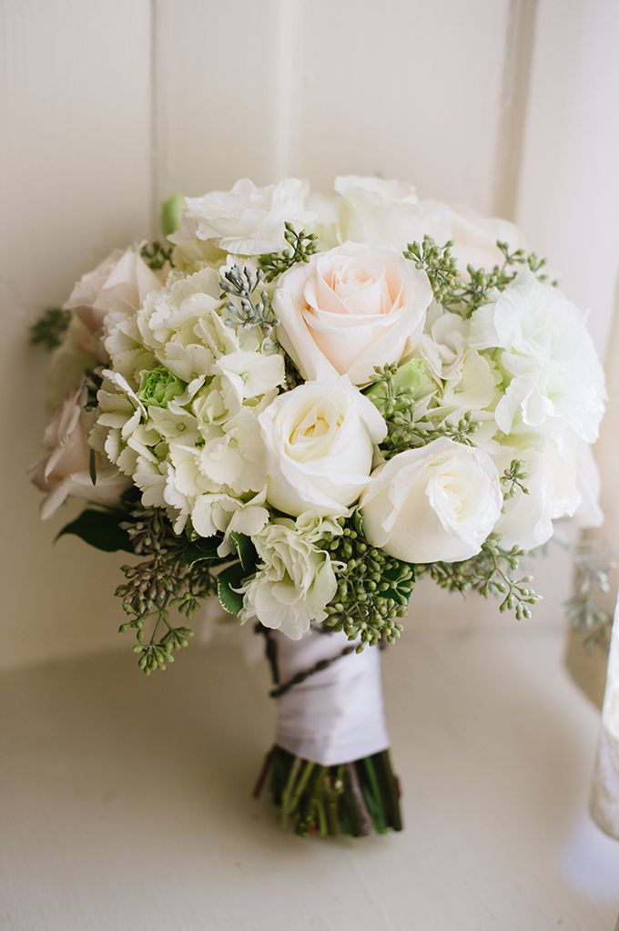 classic white bouquet | Natalie Franke Photography