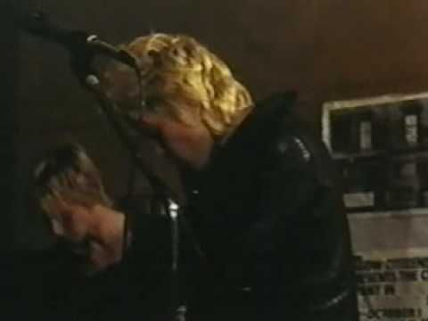Generation X - Kiss Me Deadly......love love love....billy idol before he went solo!