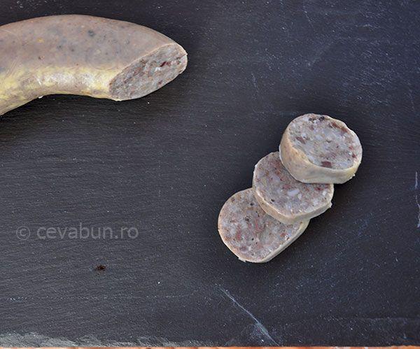 Caltabos: cum se face. Reteta de caltabosi traditionali din maruntaie de porc, cu carne, orez si mirodenii. Cartabosi romanesti.