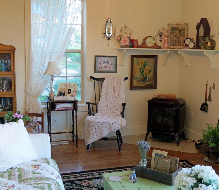 country cottage living room decorating my house pinterest. Black Bedroom Furniture Sets. Home Design Ideas