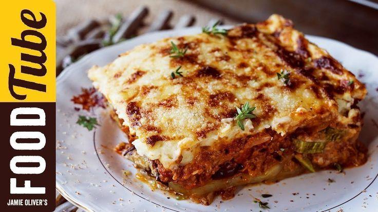 Προθερμαίνουμε το φούρνο στους 200 βαθμούς.  Για τα λαχανικά   Αλείφουμε ένα ταψί 25x30 εκ. με ελαιόλαδο. Ξεφλουδίζουμε τις πατάτες και το κρεμμύδι και με ένα μαχαίρι τα...