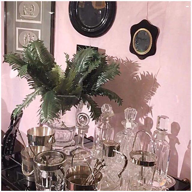 ⛔️Crystals only #details #vintage #interiordesign #pink #clossfashion