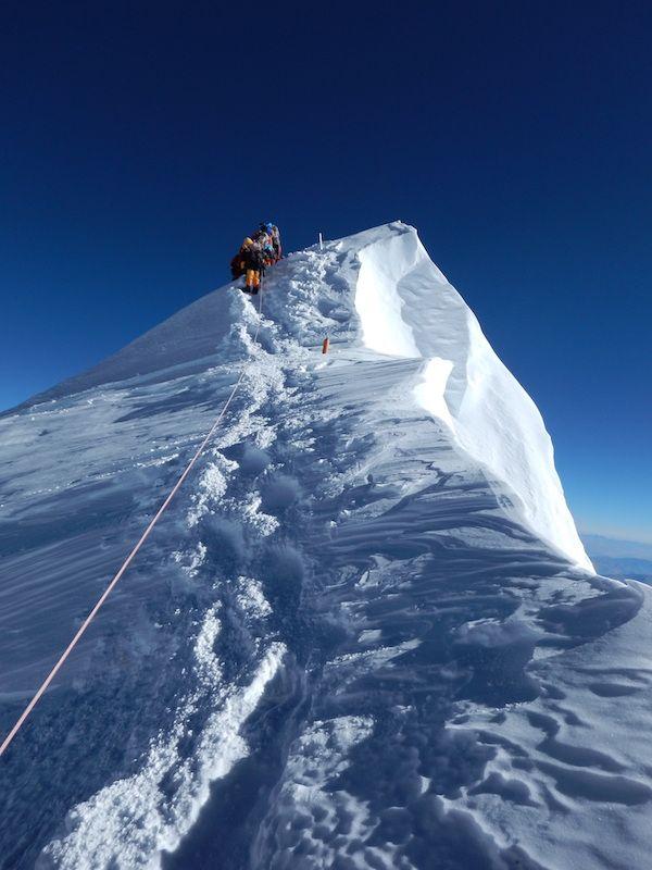 Mountainbike Everest summit ridge