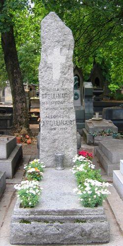Tombe de Guillaume Apollinaire, écrivain et poète, au Père Lachaise