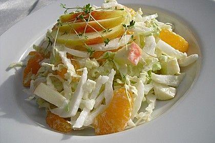 Chinakohlsalat mit Äpfeln und Mandarinen