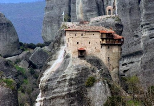 meteora thessaly, greece www.house2book.com