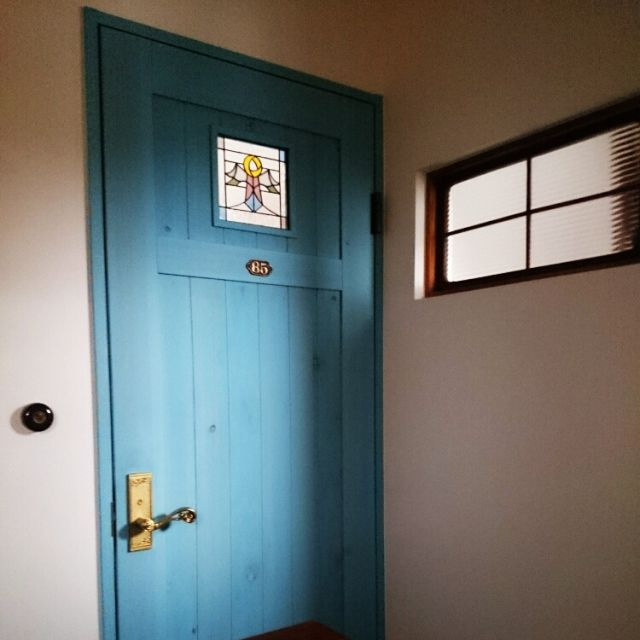 bibi.karuさんの、オリジナルステンドグラス,無垢材のドア,アンティークプレート,古物ガラス窓,アンティークトグルスイッチ,ドア,玄関/入り口,のお部屋写真