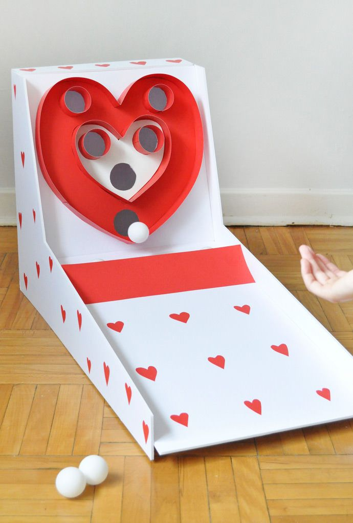make a super sweet version of the classic game of skeeball for valentines