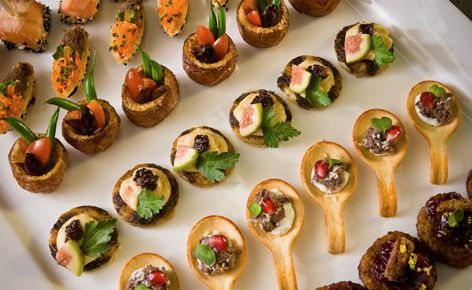 Love these edible toasted spoons food glorious food for Edible canape spoons