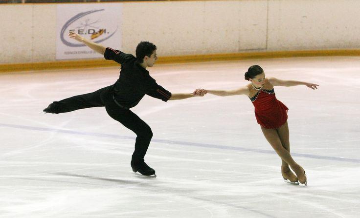 medalla de bronce Francia pareja patinaje sobre el hielo <3