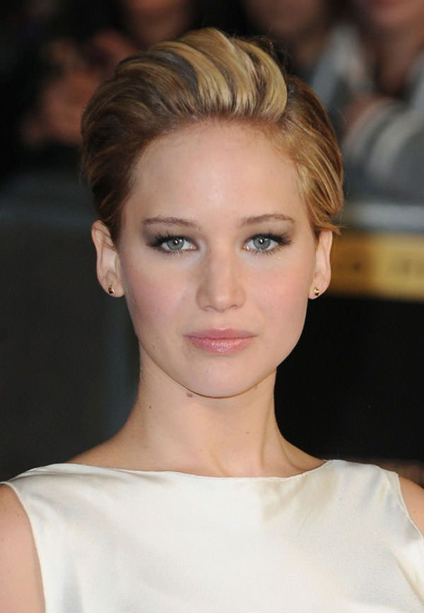 Jennifer Lawrence Pixie Haircut #HungerGames