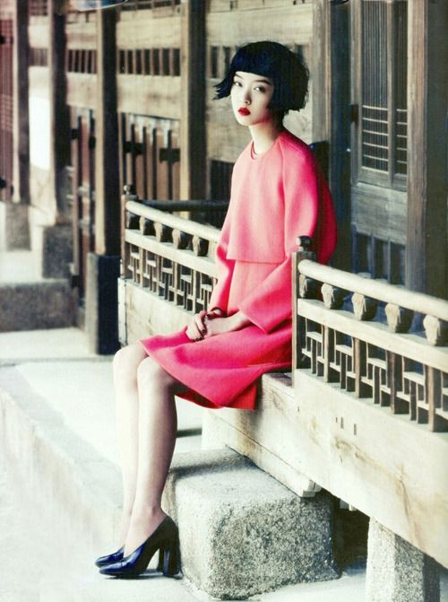 spinningbirdkick:    Tae Woo / Vogue Korea July 2012.