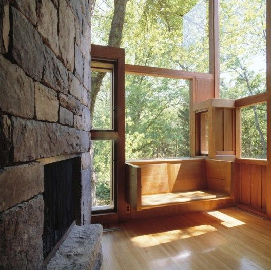 Living Room of the Norman and Doris Fisher House, Hatboro, Pennsylvania, Louis Kahn, 1960-67 / © Grant Mudford