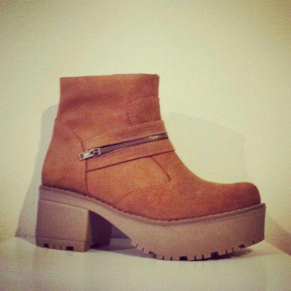 Boots Antifaz Material : Gabon habano