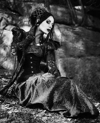 Tribal, witch or neo-Victorian #Goth girl. You decide