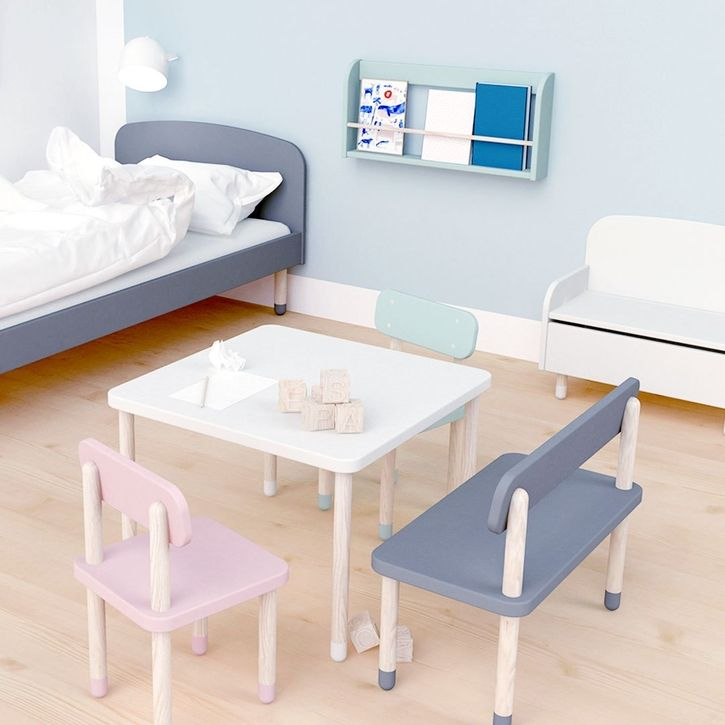 Square playroom table by Flexa | Nubie