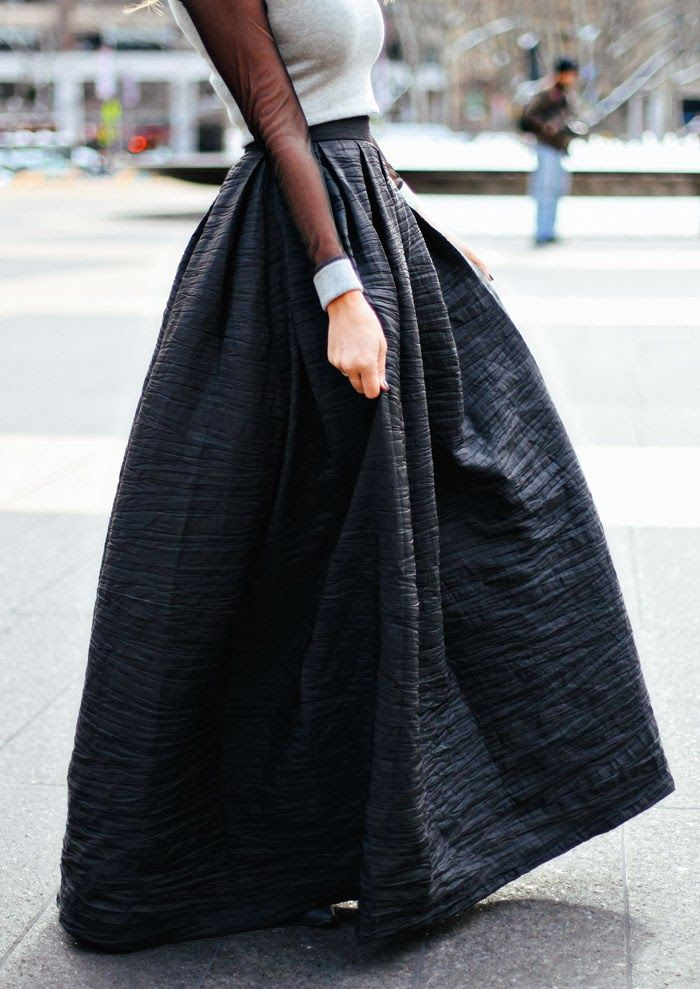 Caitlin Lindquist Is Wearing A Top From Lovers And Friends And A Full Skirt From Vivian Chart
