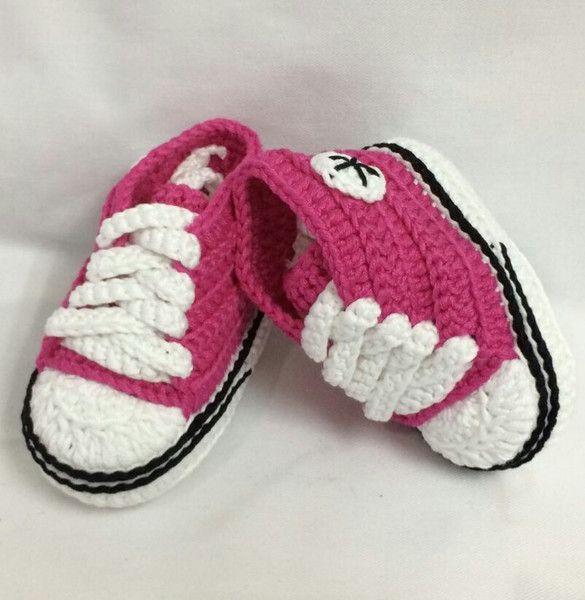 Patucos - Patucos Recién Nacido, tipo Converse, 0-3 meses - hecho a mano por Borbolettas en DaWanda