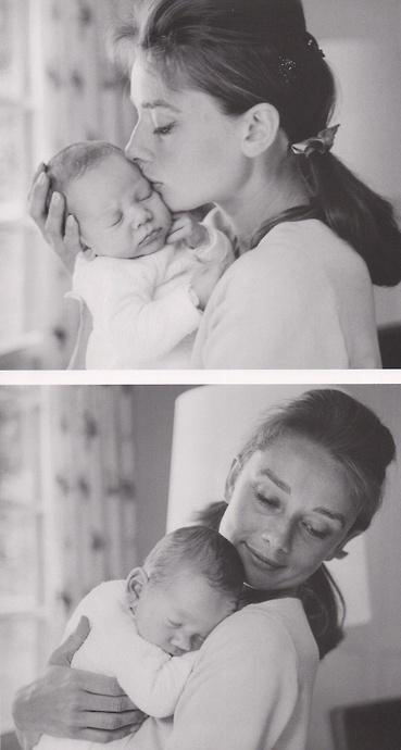 Audrey Hepburn Mom                                                                                                                                                                                 Más