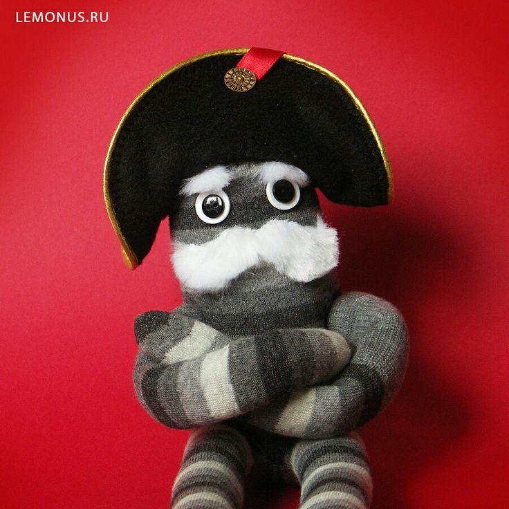 #handmade #viking #toy #toys #mustache #dwarf #soft #children #lemonus #multicolor #man #woman #striped #cap #monocle #chef #che #napoleon #biker #pirate #artist #yeti #beard #constructor #sideburns #gentleman #игрушка #человек #викинг #викинги #мягкая #ручнаяработа #трикотаж #полосатый #усы #борода #очки #монокль #бакенбарды #гном #арт #мягкая #мягкаяигрушка #мягкаяигрушкаручнаяработа #усатый #колпак #колпачек #рога #шапка #авторскаяигрушка #лимонсусами #лимон #усатыйлимон #многоцветный…