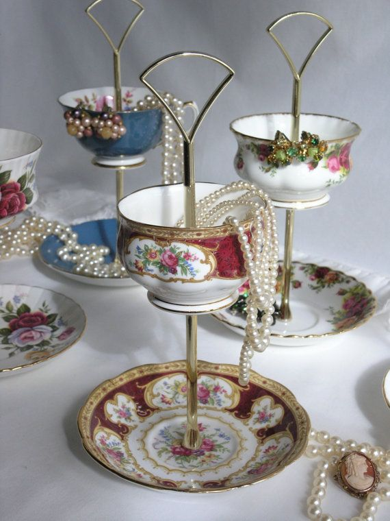 upcycle china as jewellery stand. An option for me with that gorgeous tea cup I destroyed.