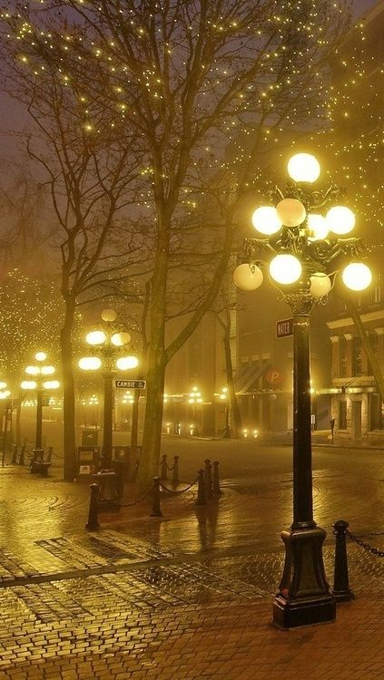 Foggy Night, Gastown in Vancouver