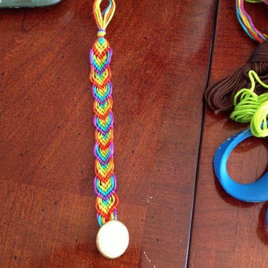 Rainbow Leaf Friendship Bracelet | Kollabora #DIY #jewelry
