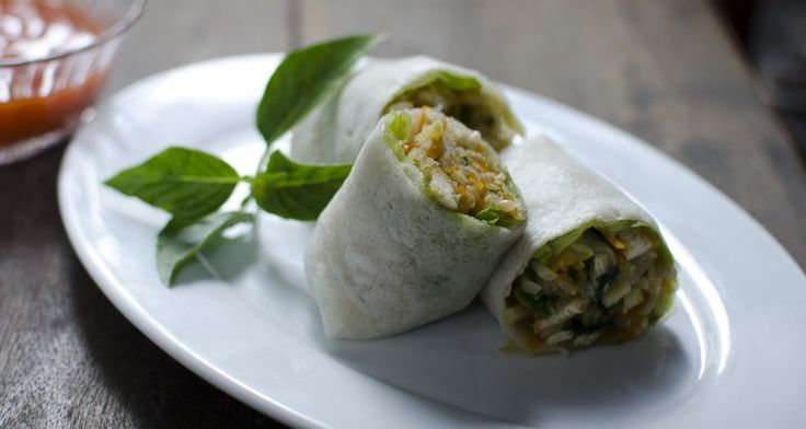 These Vegetable Wraps are a great meal item for any of your picnic guests! http://gustotv.com/recipes/lunch/vegetable-wraps/