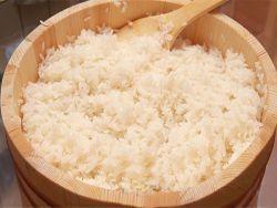 Заправка риса для суши